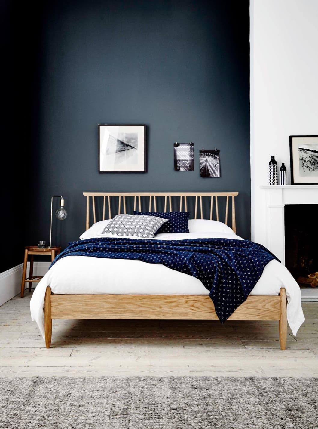 bedroomNavyWall-2-2