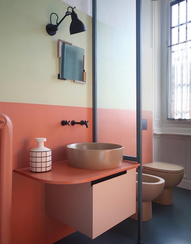 orangeBathroom-2