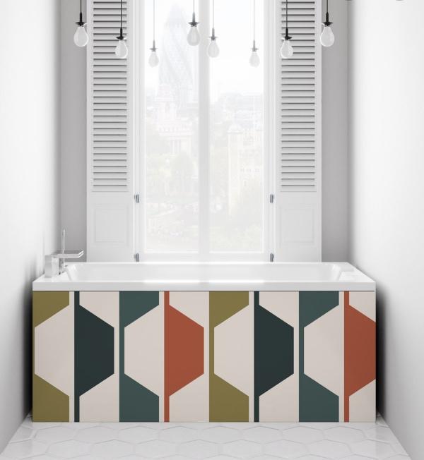 bathroom with patterned bath